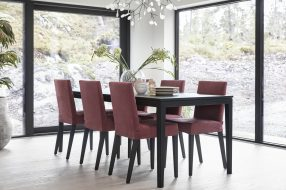 Edge diningtable and chairs 2